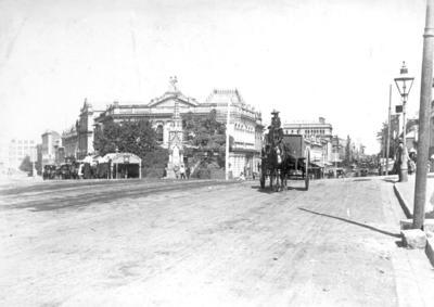 "Photo - ""Eagle & Queen Sts Brisbane""; 1894-1910; H49009"