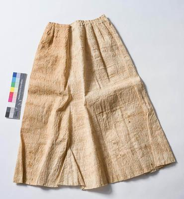 Skirt-bark cloth