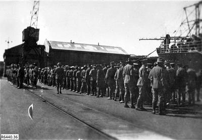 Photograph - Australian Soldiers embarking on Troopship; R6440.36