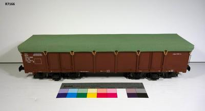 Model - Powered Open Wagon