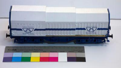 Model - Svenskt Stal Telescopic Hood Wagon
