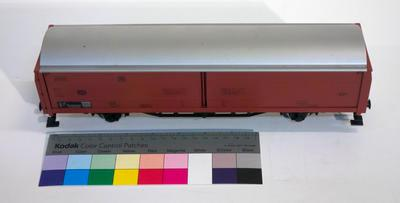 Model - Deutsche Bundesbahn sliding wall goods wagon